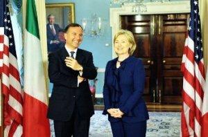 Franco_Frattini_ed_Hillary_Clinton